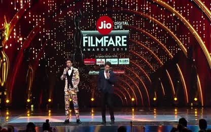 SRK fun with Ranveer Singh and _  Manushi chhillar Miss world _   Aweosme funny fight between them