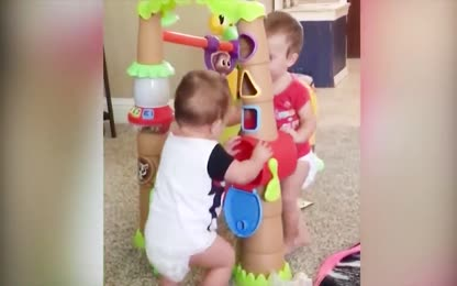 Twins Baby - Funny Vidoes